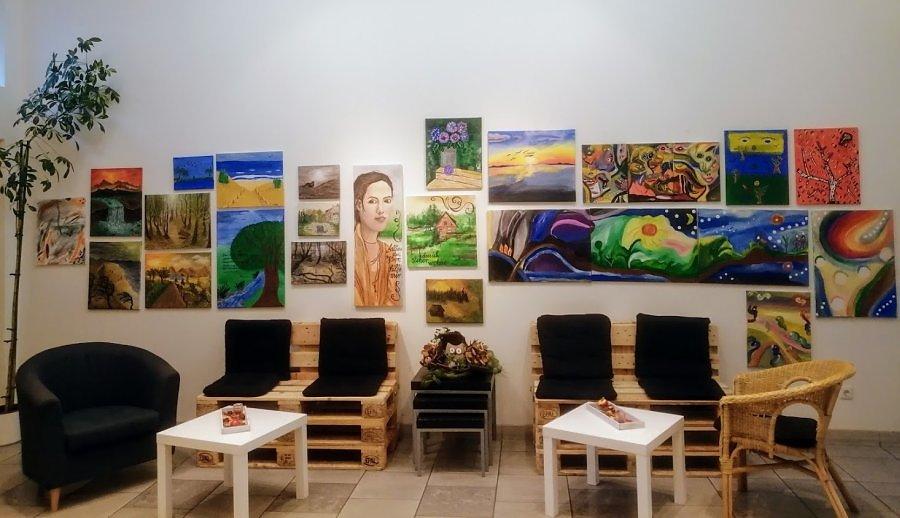 Ausstellung-Malgruppe.jpg